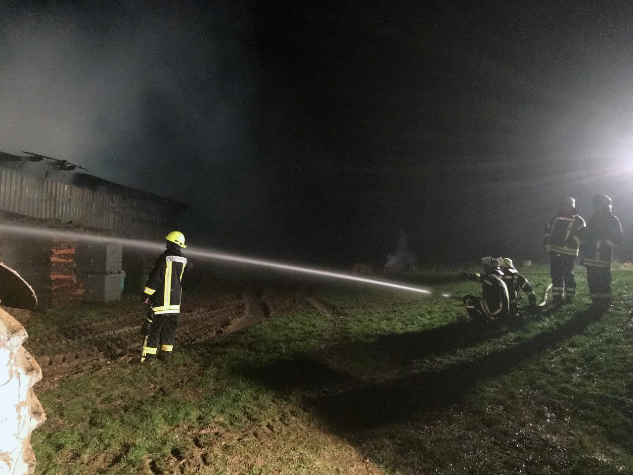 2018-01-01-03-10-31-scheunenbrand-hergraben-13-foto-christian-menz-35
